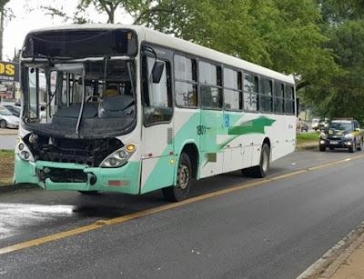 Colisão entre dois ônibus deixa mais de dez feridos em Igarassu