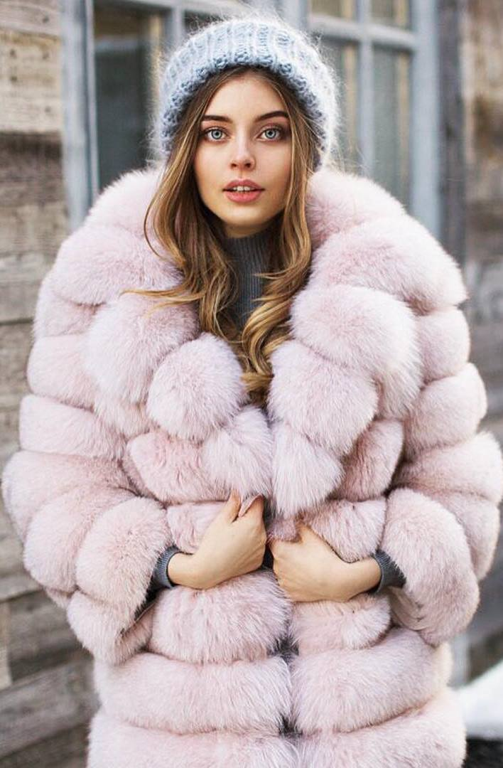 winter outfit / knit hat and blush fur coat