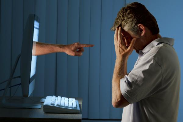 تطوير برنامج إلكتروني قادر على رصد المتحرشين بالأطفال على الإنترنت