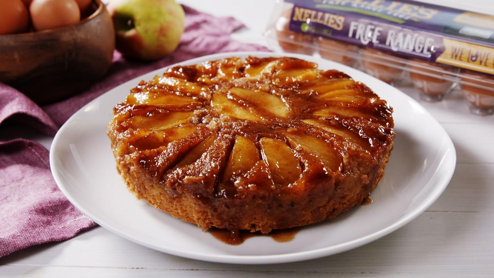CARAMEL APPLE UPSIDE-DOWN CAKE #dessert #caramel