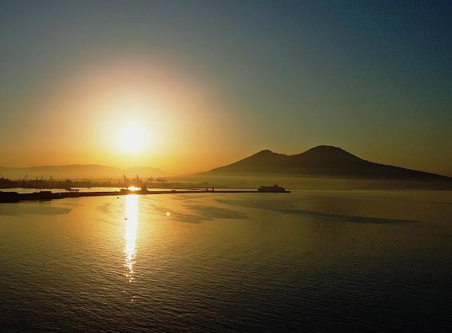 Por do sol, Nápoles, O que fazer em Nápoles