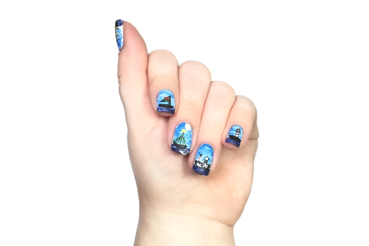 Nautical Christmas Nails