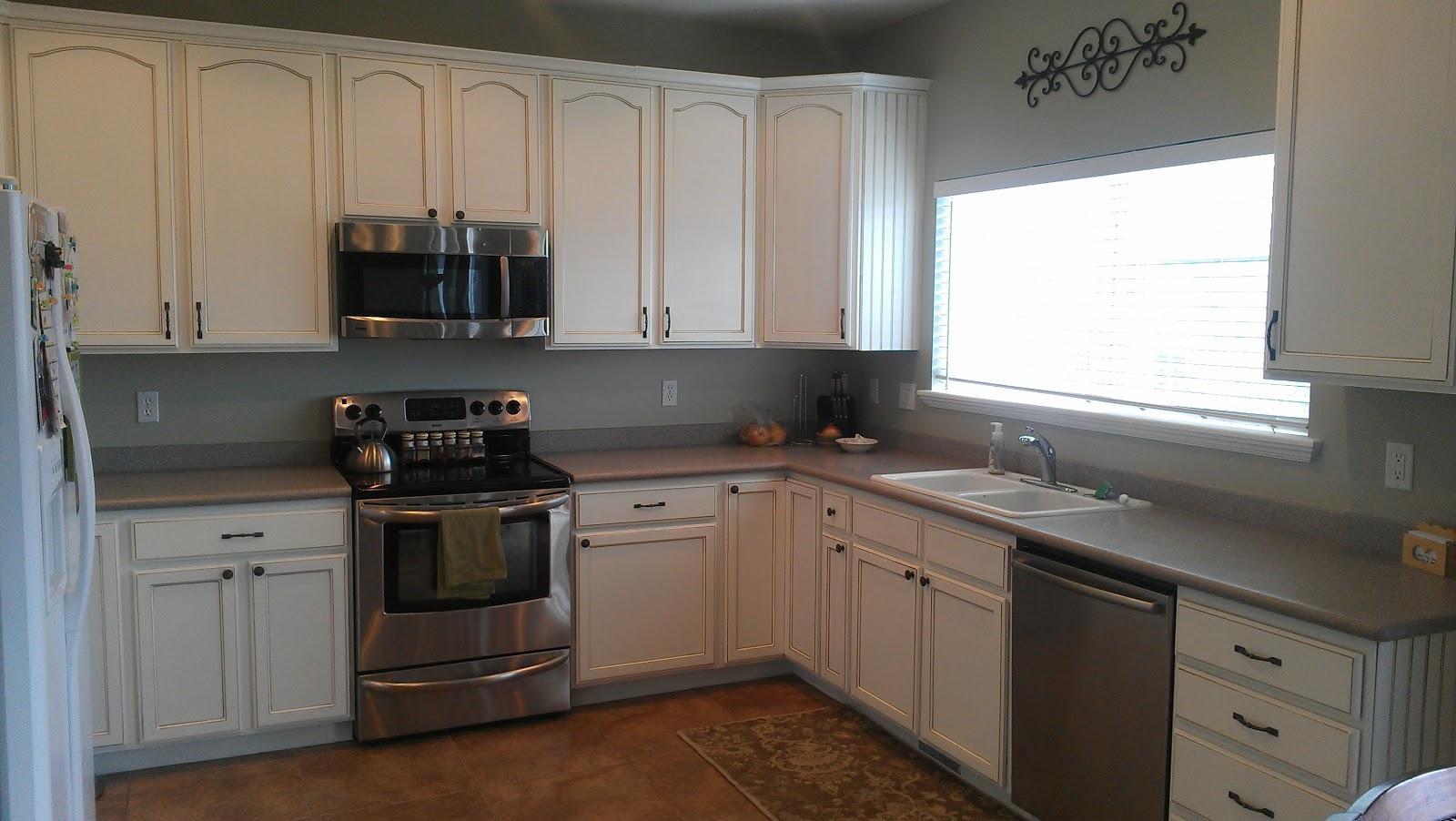 400 And Cloverleaf: Oak Cabinets Go White