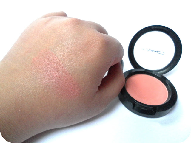 A swatch of MAC Supercontinental Powder Blush