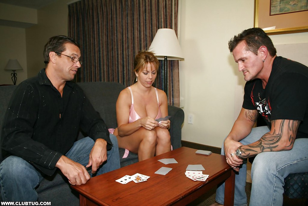 wife-poker-pics