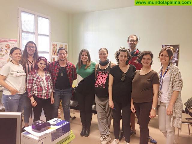 Asuntos Sociales imparte charlas para orientar a futuras madres y padres sobre la educación en valores