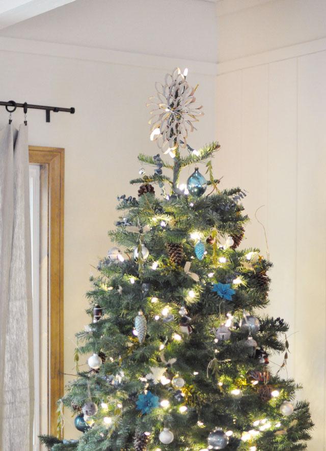 DIY rustic christmas tree