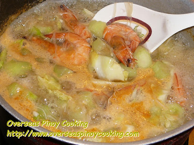Patola Misua Soup with Prawns - Cooking Procedure