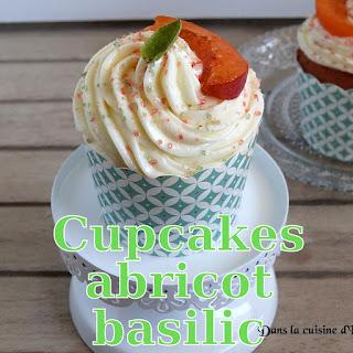 http://danslacuisinedhilary.blogspot.fr/2016/08/cupcakes-coeur-abricot-glacage-basilic.html