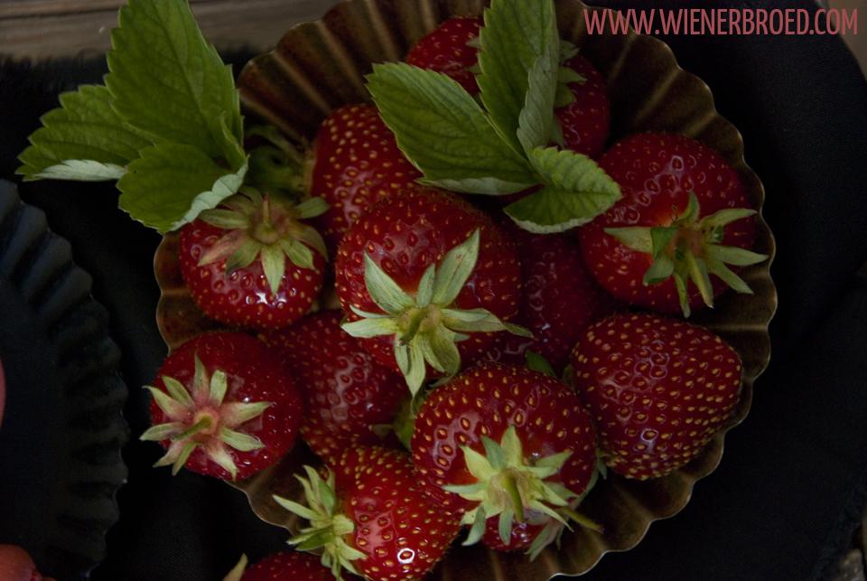 Erdbeer-Macarons / Strawberry macaroon [wienerbroed.com]
