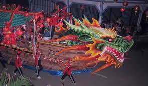 Pesta Pawai Lampion Singkawang 90 mobil hias ikutserta.Ketua Pelaksana Festival Cap Go Meh