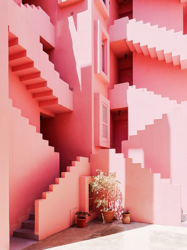 pink architecture-in love! La Muralla Roja