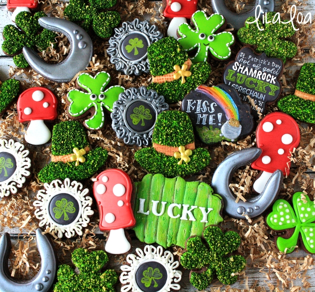 Learn how to make mossy covered leprechaun hat cookies for St. Patrick's Day! ~ Tutorial