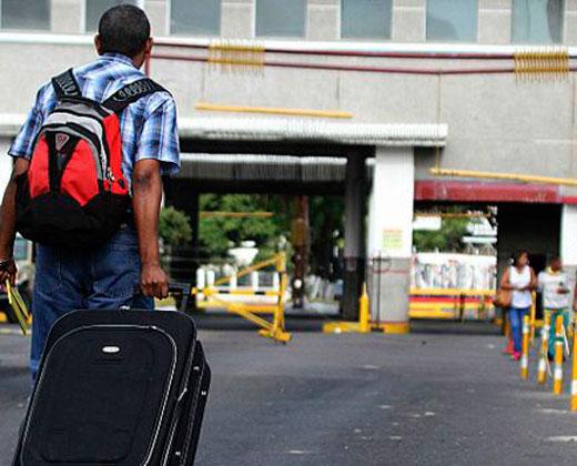 """Acnur: A Colombia están llegando """"silenciosamente"""" personas desde Venezuela"""