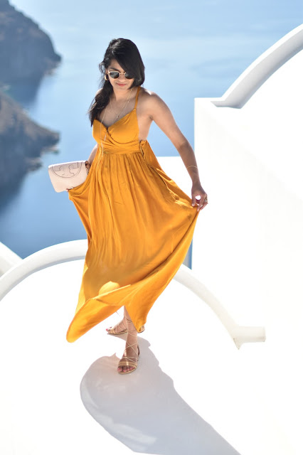 Oia and the Magnificent Yellow Dress!