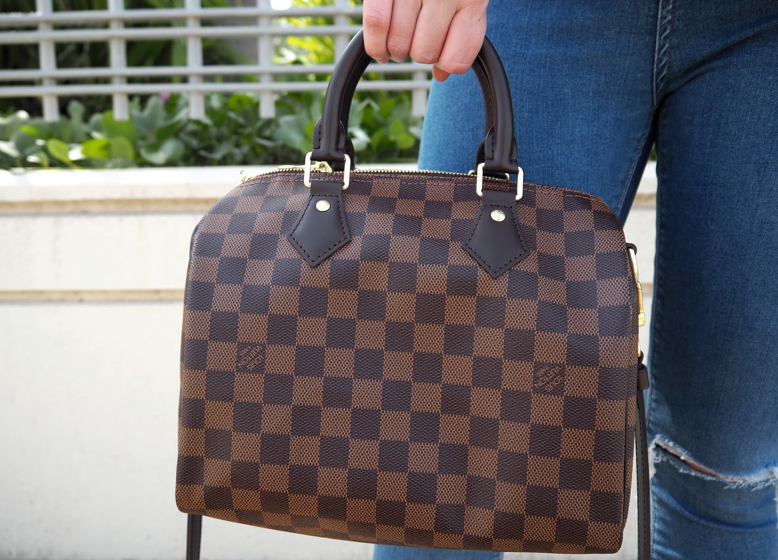 Louis Vuitton Speedy Bandouliere 25 Review & Outfit Shots