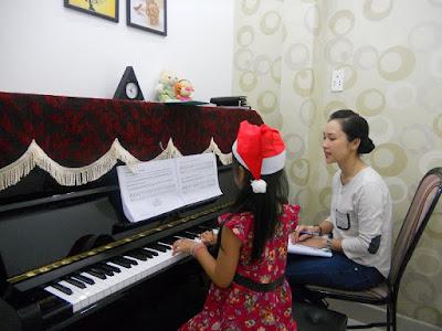 Lựa chọn đàn piano điện hay đàn piano cơ để học nhạc