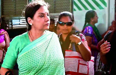 Shabana Azmi in Mumbai local, Shabana Azmi travels in local train in Mumbai, Mumbai Local, chalk and duster, chalk and duster movie