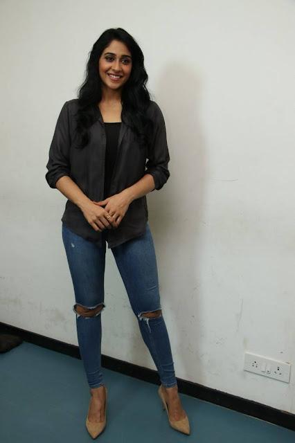 Regina Cassandra Stills At Gemini Ganeshanum Suruli Raajanum Movie Press Show
