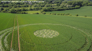 nouvel ordre mondial   Crop Circles in Gloucestershire, UK - June 2, 2018