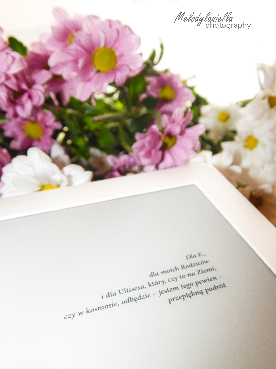 fobos czytnik ksiazka kawiaty melodylaniella wydawnictwo otwarte recenzja pocket book fobos powiesc