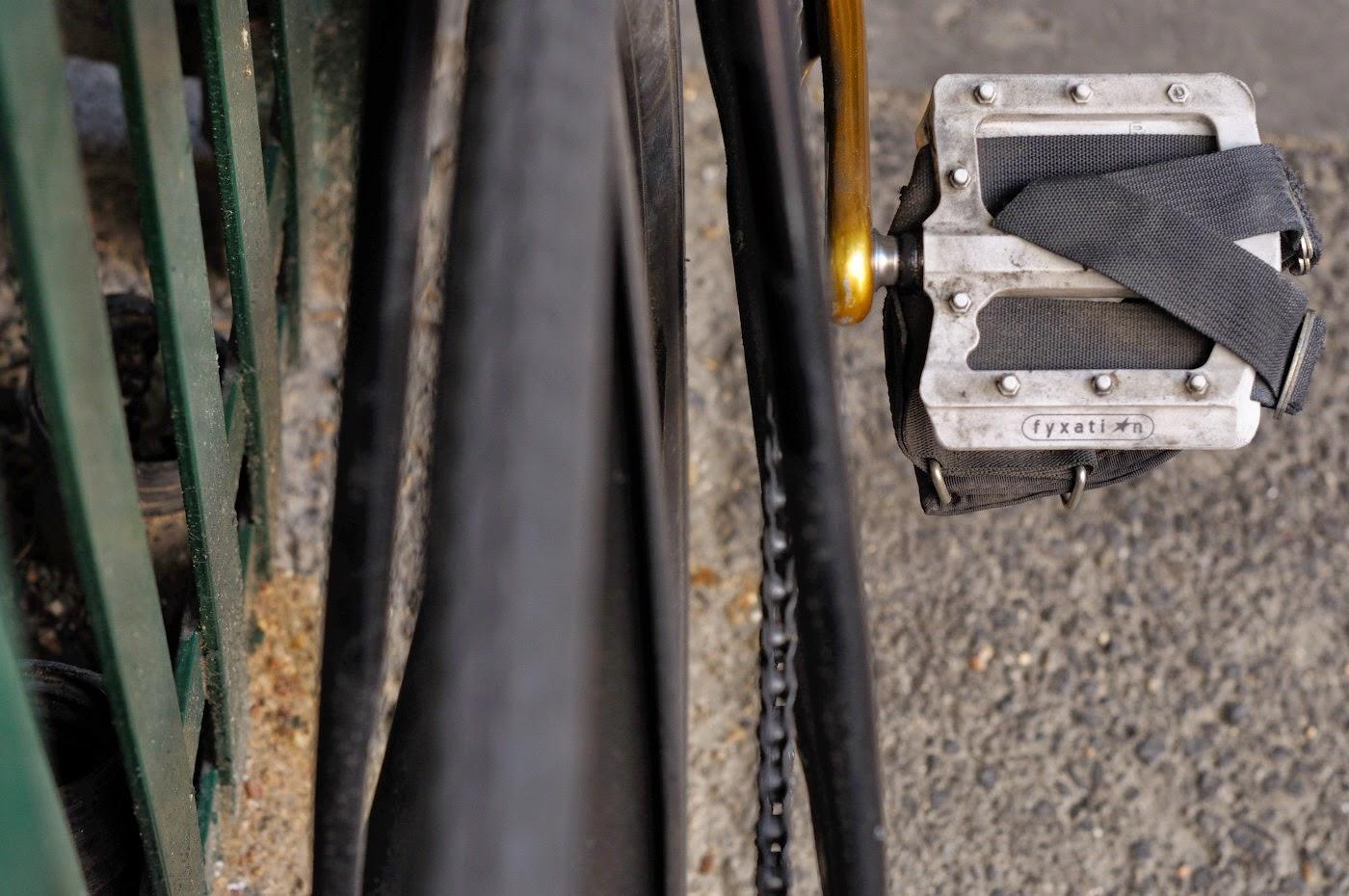 fyxation,flat,platform,pedal,The Biketorialist, tim Macauley, the light monkey collective, cycle deal dot com, track frame, bicycle, bike, bespoke, custom, customisation, black, Melbourne, Australia