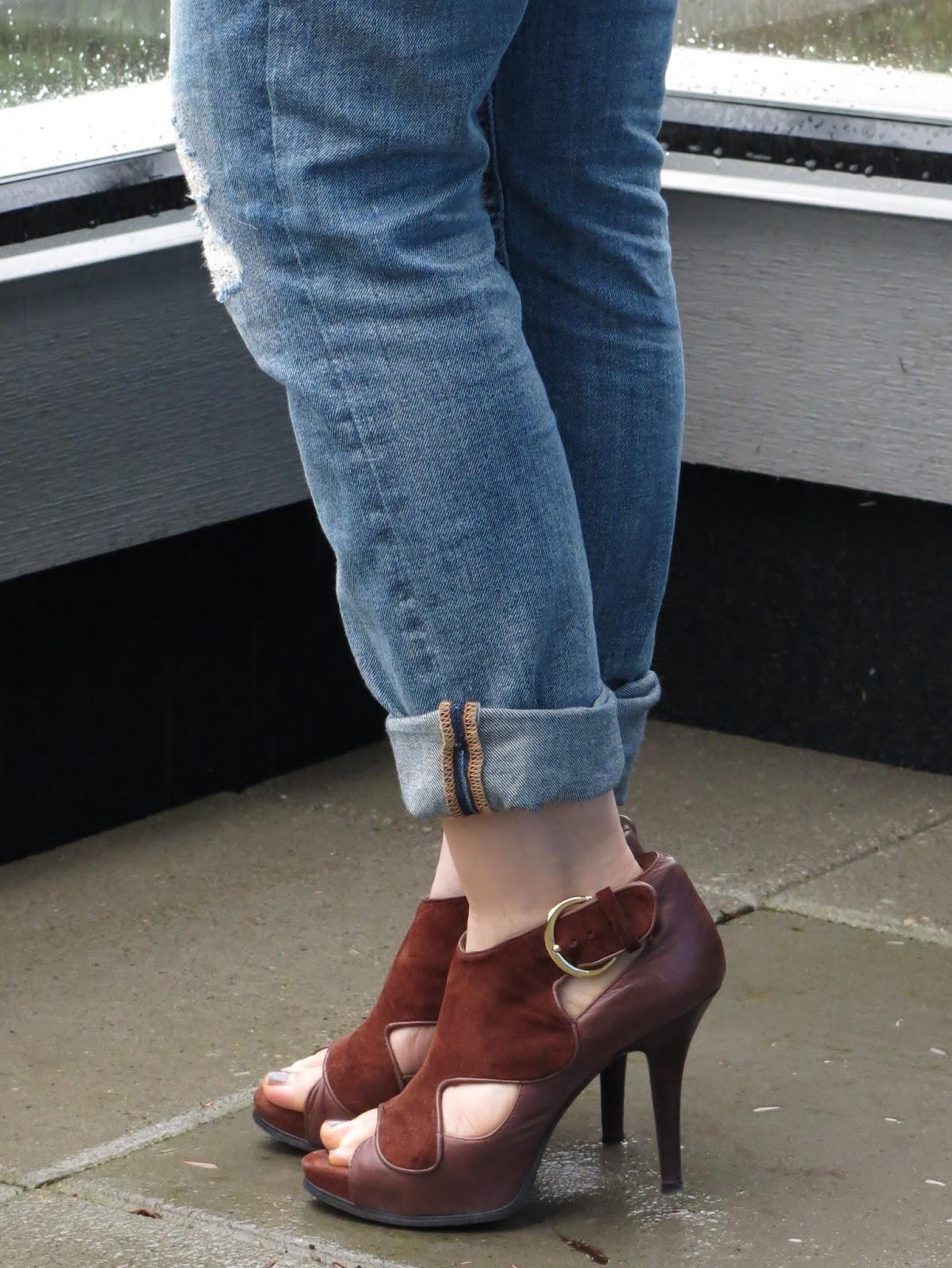 boyfriend jeans and suede Nine West heels