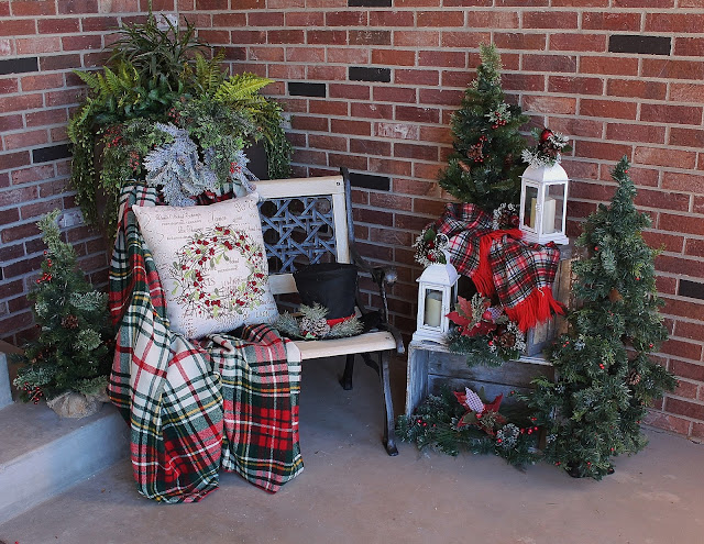 Christmas Front Porch - Southern Seazons