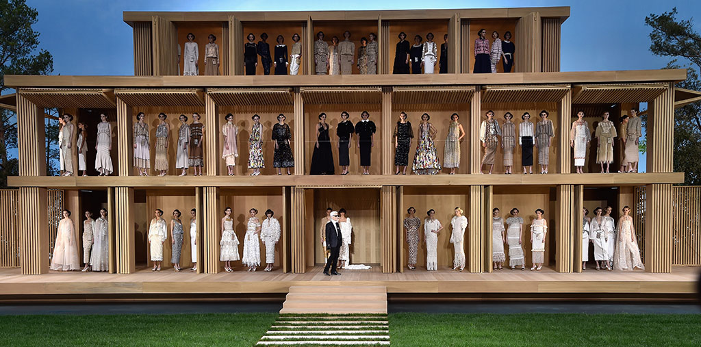 caja de muñecas Chanel Paris Grand Palais haute couture alta costura
