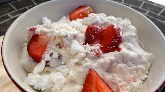Strawberry Chantilly meringue mess