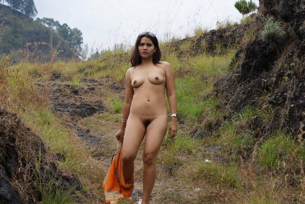 24 foto janda bugil di hutan pamer selangkangan
