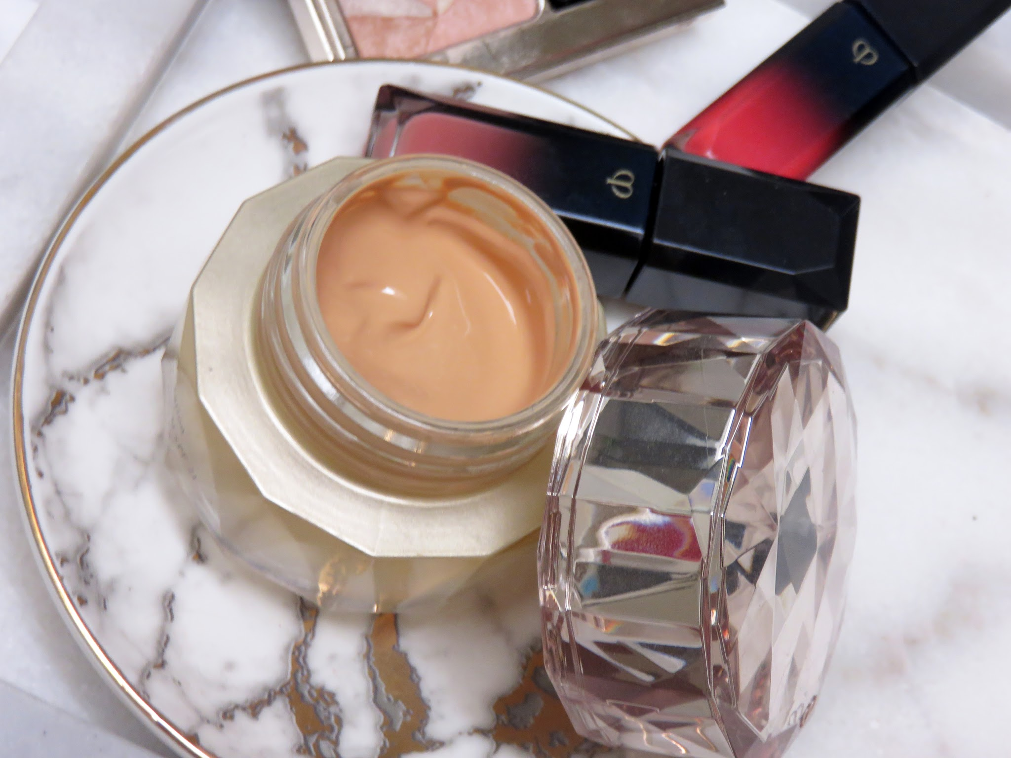 Cle de Peau The Foundation Review and Swatches