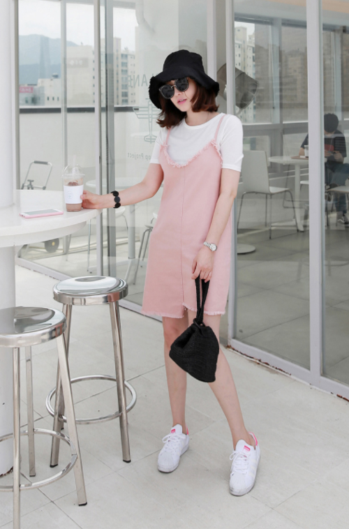 Basic T-Shirt And Frayed Trim Sleeveless Dress (Set)