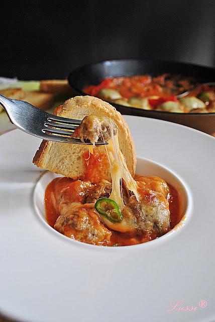 Кюфтета по италиански с моцарела / Italian Meatballs with Mozzarella