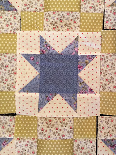 star table topper: QuiltBee