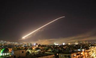 Επίθεση με πυραύλους στη Συρία από ΗΠΑ, Γαλλία και Βρετανία