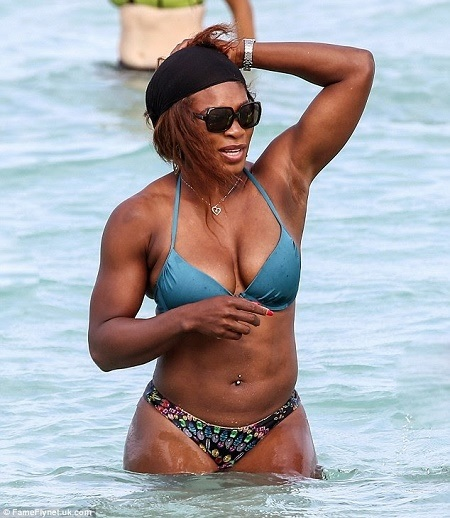 Bootylicious! Serena Williams Shows Off Her Massive and S*xy Asset in Bikini (Photos)