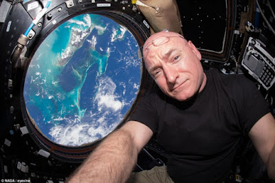 scott-kelly-back-earth