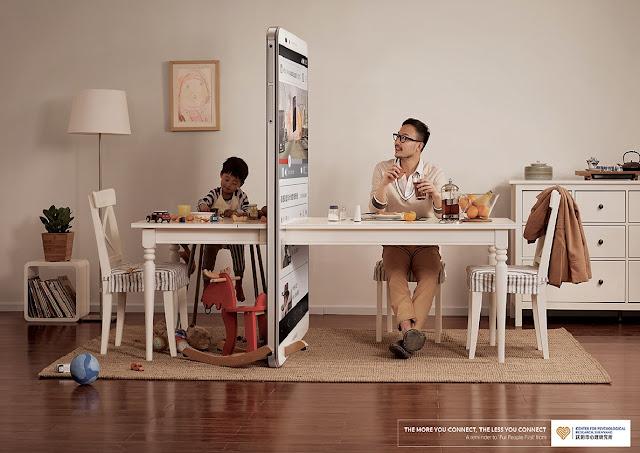 bagaimana teknologi menjauhkan yang dekat, gambar kreatif yang menunjukkan kesan buruk telefon pintar, kesan buruk telefon pintar pada keluarga dan anak-anak, teknologi memberi kean buruk,