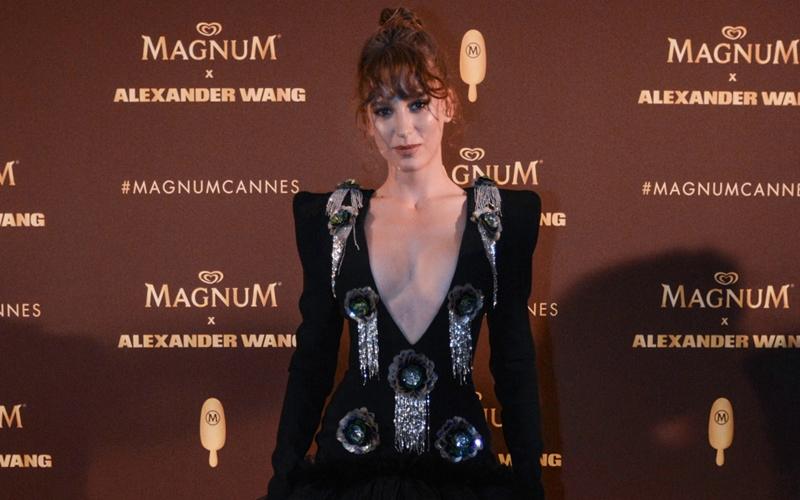 Serenay Sarıkaya Cannes'da