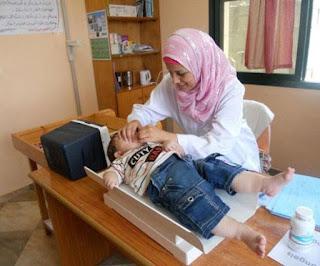 Palestinos condenan cierre de hospital de la UNRWA
