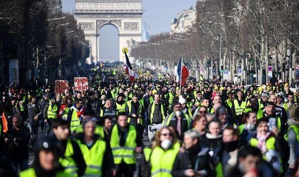 <i>People Power!</i> Gerakan Rakyat yang Sah