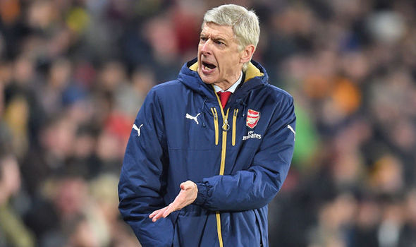 EPL: Arsenal players hold meeting, blame Wenger for club's failures