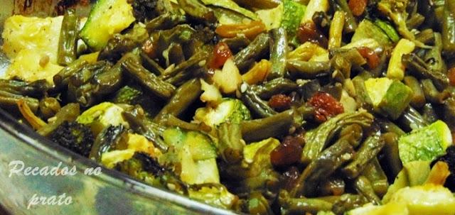 Legumes gratinados no forno com sementes