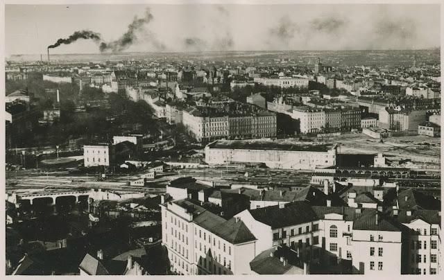 Конец 1950-х годов. Рига. Панорама города с видом на Центральный ж/д вокзал.