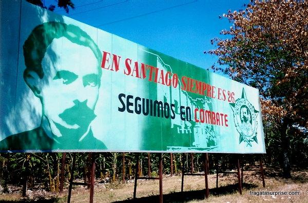 Propaganda revolucionária próxima ao Castillo del Morro
