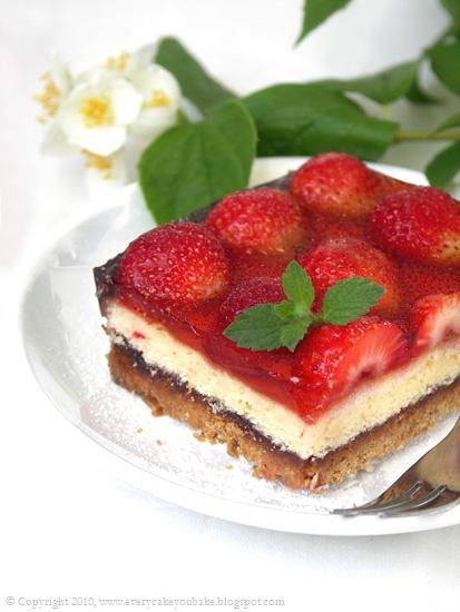 ciasto migdałowo-truskawkowe z galaretką