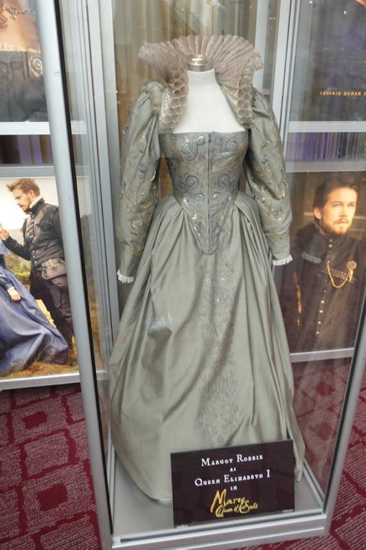 Margot Robbie Mary Queen Scots Queen Elizabeth I costume