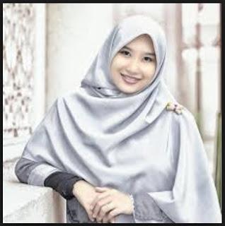 Delapan Syarat Pakaian Wanita Muslimah