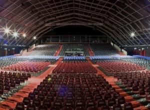 e08e64cb4e Al Gran Teatro Geox lo spettacolo continua  dopo il successo della stagione  2010-2011 – che ha legittimato l inserimento del teatro padovano  nell olimpo dei ...